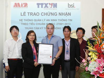 Lễ trao chứng nhận ISO 27001 cho Trung tâm Kỹ thuật thông tấn – TTXVN